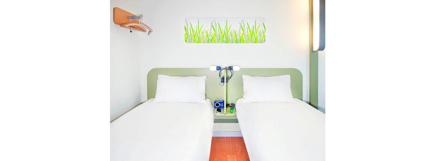 Office de tourisme le mans 72 visites h tels for Ibis budget douche dans la chambre