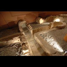 Visuel L'EAU DANS LA VILLE : LE CARRÉ ET LES THERMES ROMAINS
