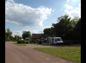 AIRE DE SERVICE CAMPING CAR - CAMPING ONLYCAMP LE PONT ROMAIN