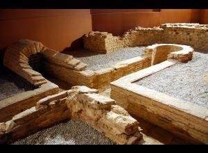 罗马浴场 (Thermes romains)
