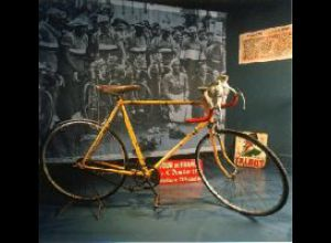 MUSEUM OF THE BICYCLE :  LA BELLE ECHAPPEE