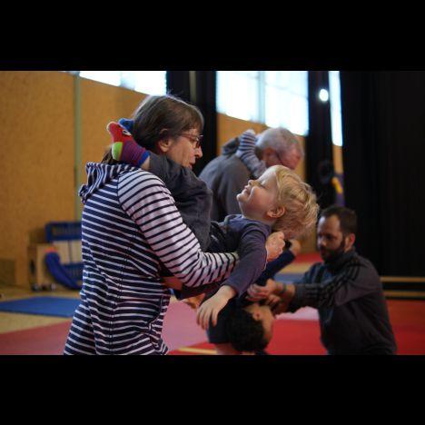 Visuel STAGE DE CIRQUE PARENTS-ENFANTS VACANCES D'AUTOMNE