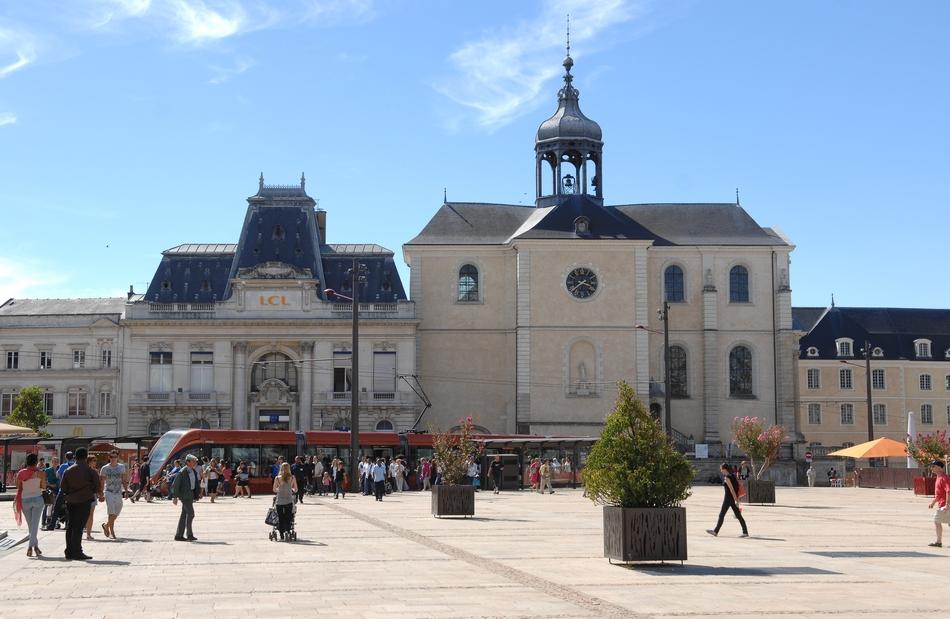 D couvrez la ville du mans une ville au patrimoine - Entremont le vieux office de tourisme ...